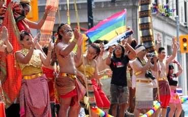 Toronto-Pride-Parade-2011-Thailand3