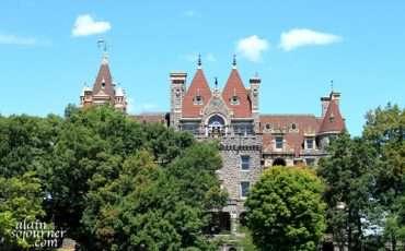 Boldt-Castle-A-Thousand-Island-Kingston-Tour-2