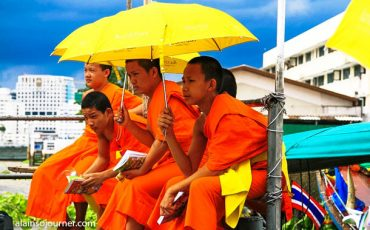Monks in Thailand 2