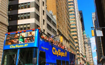 New-York-City-The-Double-decker-Sightseeing-Bus-1