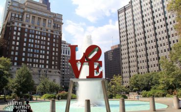 PHILADELPHIA-THE-LOVE-SCULPTURE-1