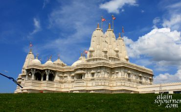 Shri-Swaminarayan-Mandir-in-Toronto-Things-To-Do-1
