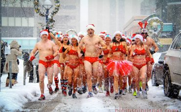 Naked Santa Speedo Run 2013 Toronto 3