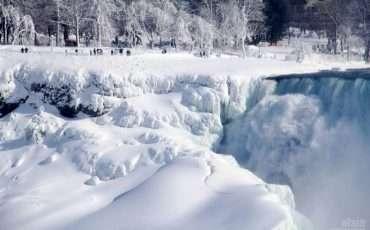 Frozen Niagara Falls Polar Vortex24