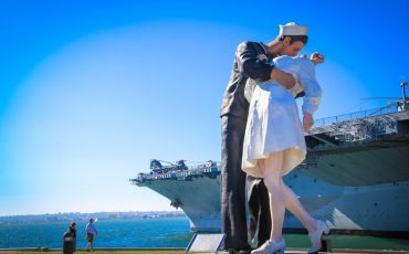 Unconditional Surrender Kiss Statue San Diego 2