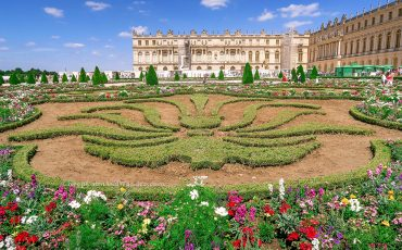 Palace of Versailles Gardens Chateau France 3