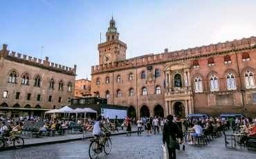 Piazza de Maggiore Bologna Italy 1