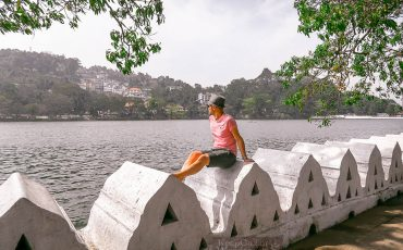 Things to do in Kandy Lake Sri Lanka