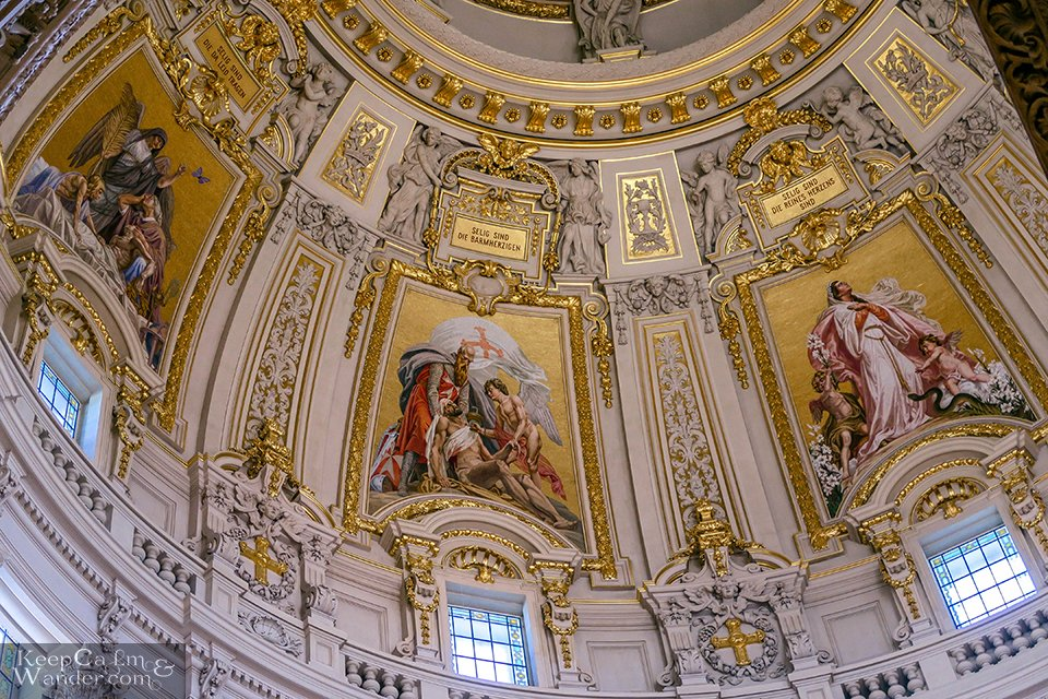 Berliner Dome Travel