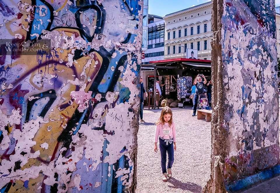 Berlin Wall Hotel Hostel