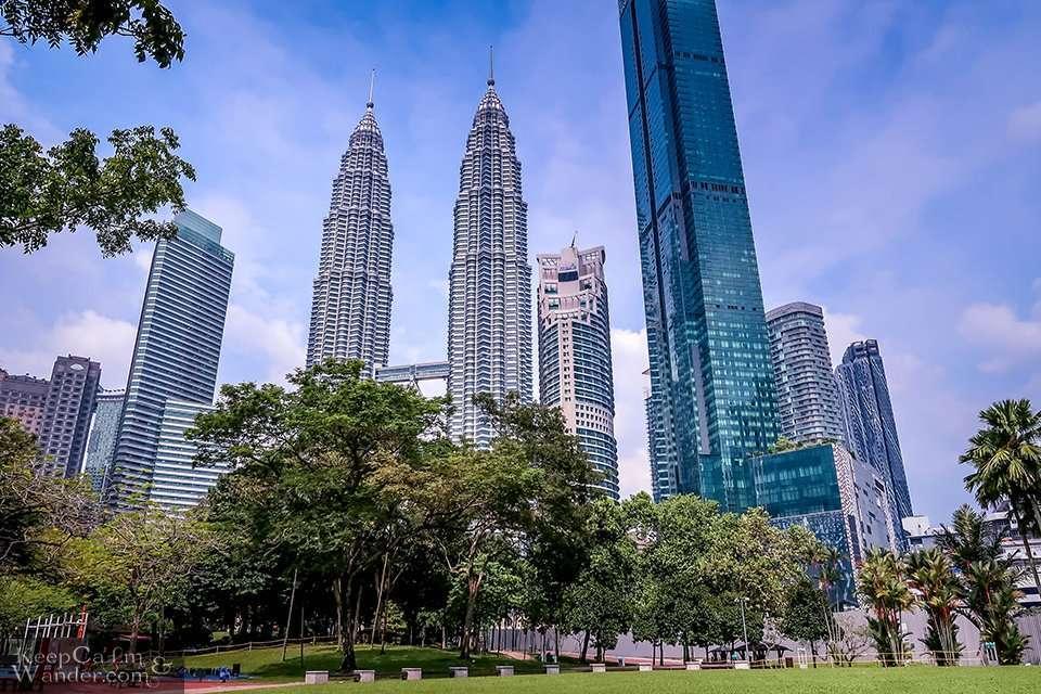 Petronas Towers - The World's Tallest Twin Towers (Kuala Lumpur, Malaysia)