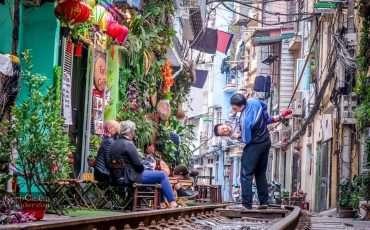 Train Street Hanoi Vietnam 5