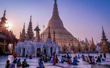 Yangon Shwedagon Pagoda Morning Myanmar 7