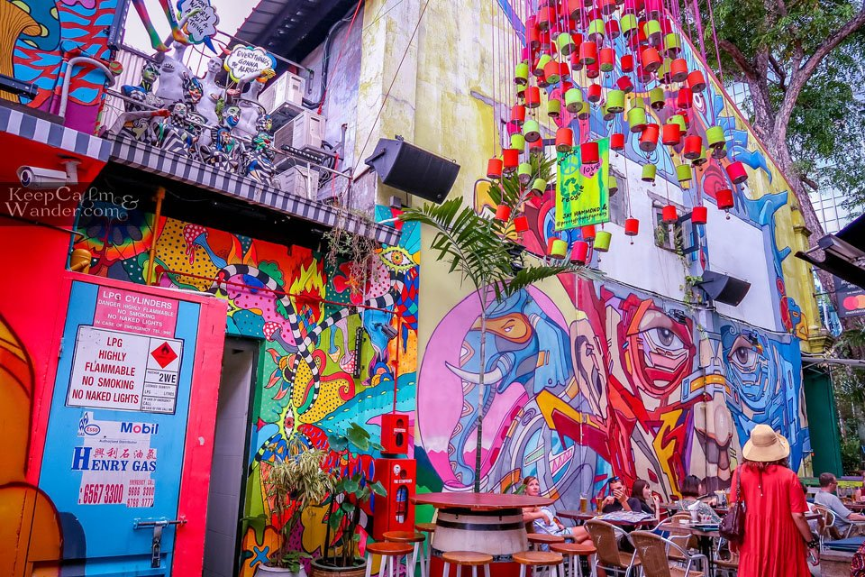 Is Arab Street the Most Colorful Neighborhood in Singapore?