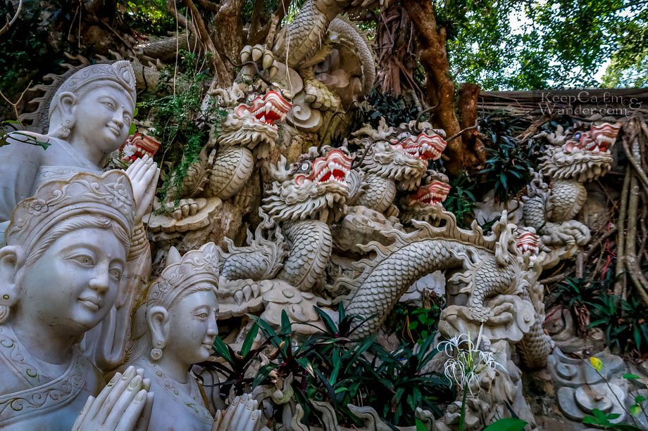 marble dragons tourist attractions in Da Nang