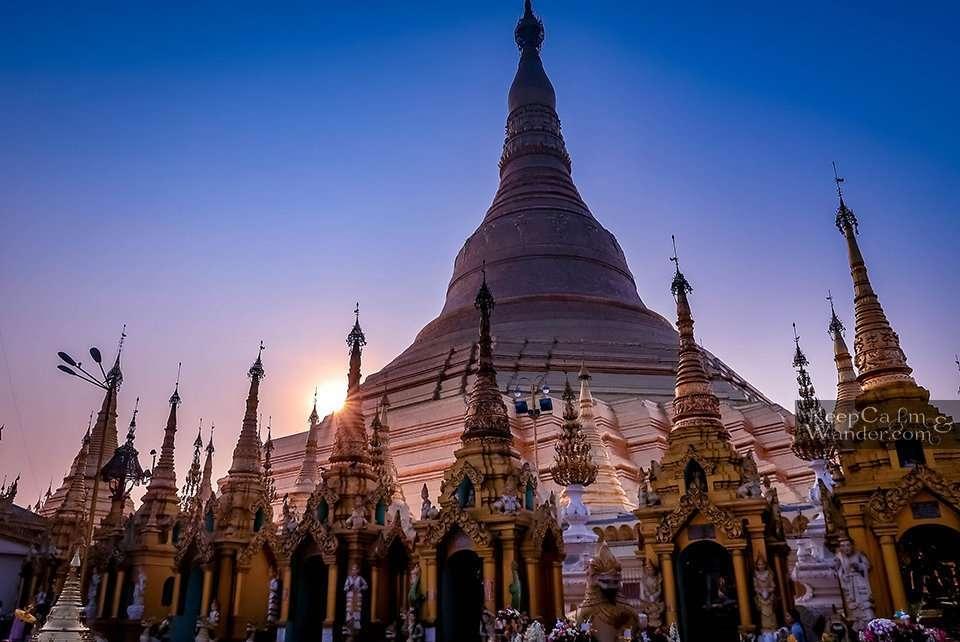 Shwedagon Pagoda in the Morning (Yangon, Myanmar)