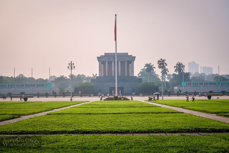 Things to do and see in Hanoi / Ho Chi Minh Mausoleum Hanoi Vietnam