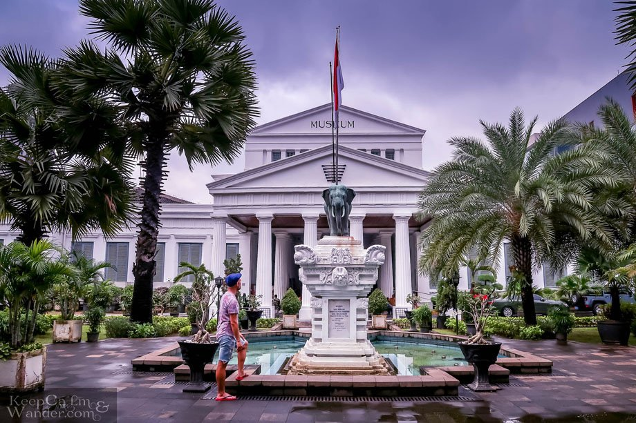 Walking Tour in Jakarta - Things to Do and See ( National Museum)