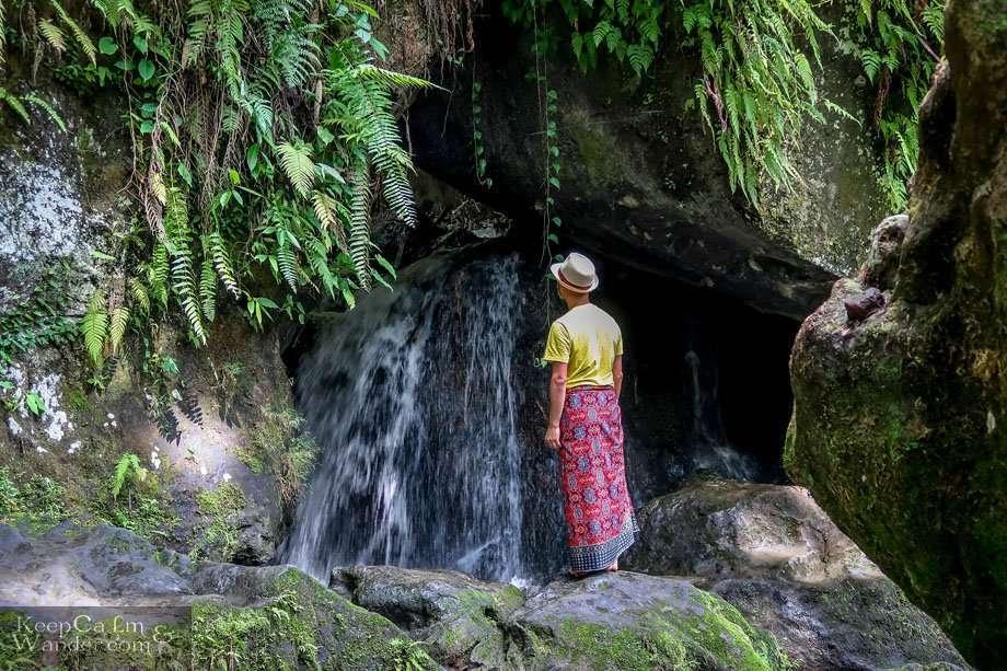 Accommodation Bali Hostel Hotel / Elephant Cave Temple