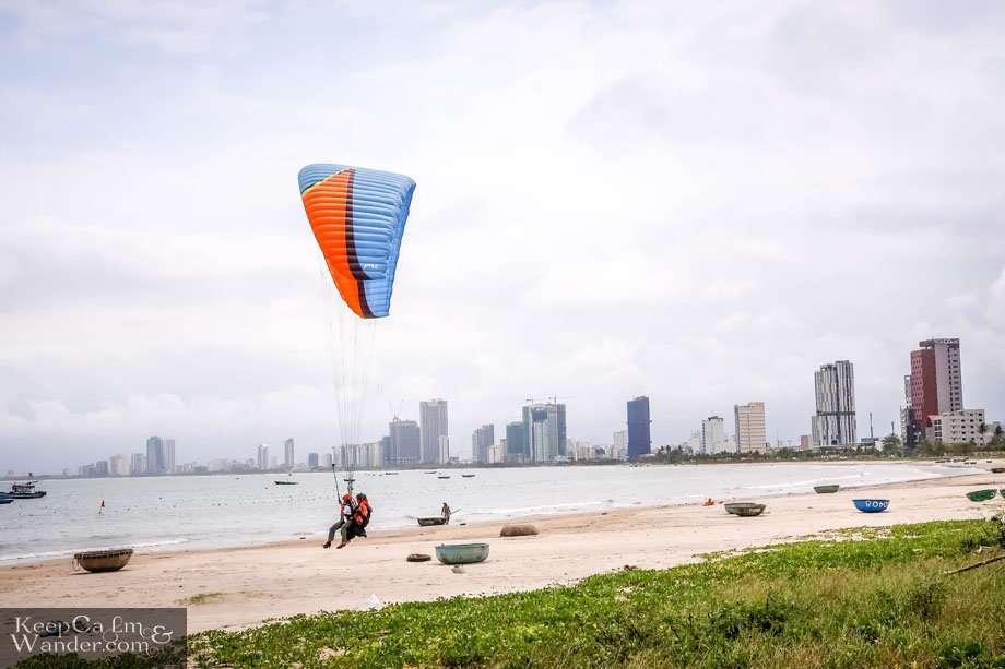 Parachute in Da Nang