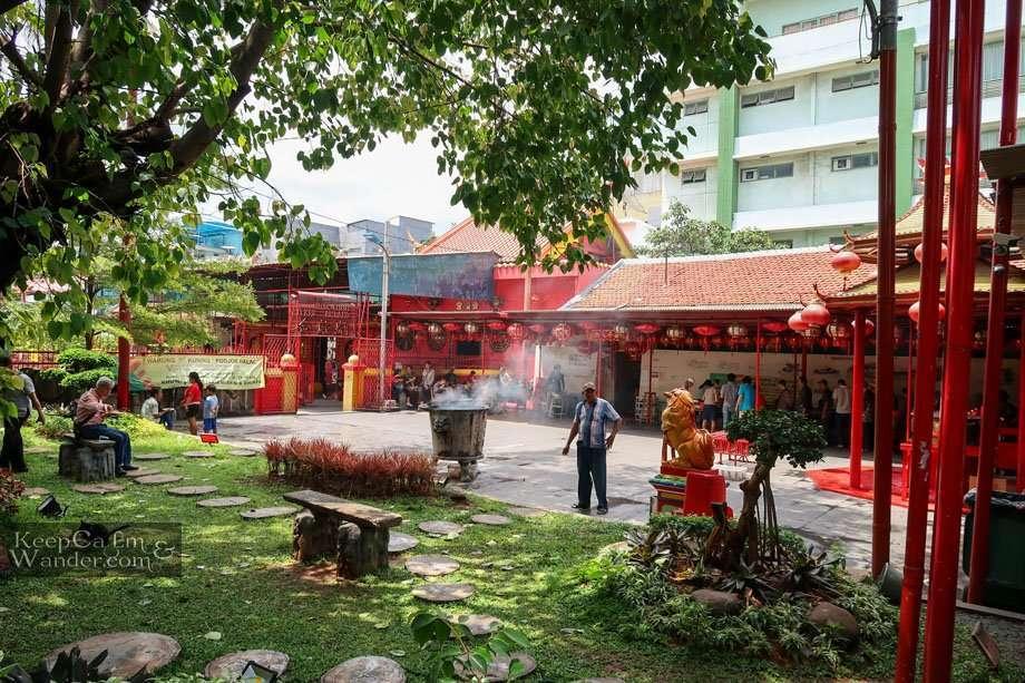 Temple in Chinatown Jakarta Yayasin Wihara  Dharma Bakti
