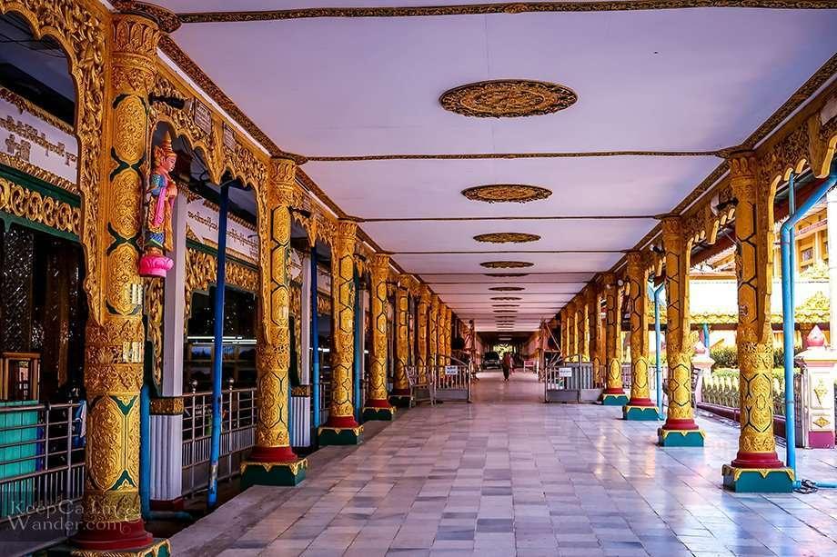 Chauk Htat Gyi Pagoda Sightseeing in Yangon (Myanmar)
