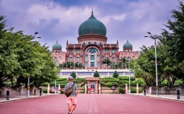 Putra Jaya Pink Mosque and The Federal Building Malaysia 18