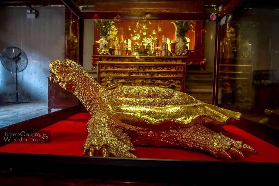 golden turtle tortoise Hanoi temple